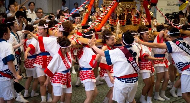 Girls mikoshi matsuri - tenjin matsuri - 天神祭 - 天神祭ギャルみこし